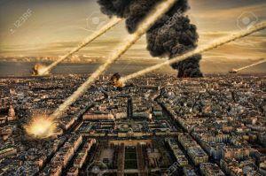 14975096-Jour-de-l-apocalypse-sur-Paris-Tour-Eiffel-France-Banque-d'images