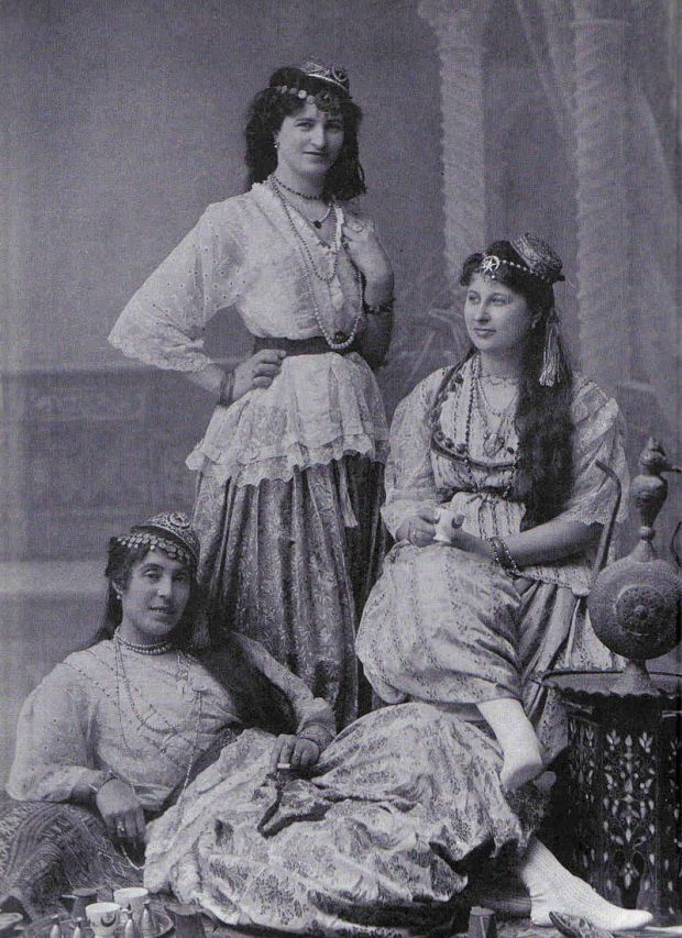 Three_Algerian_Women.jpg