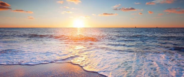 cropped-beautiful-sunset-scenery-sea-sky-clouds-beach-waves_2560x14401.jpg